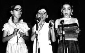 Vijay performs Harikatha (Avvaiyar Charitram) in 1975.