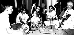 Vijay in concert with Thiruvallur Veeraraghavan (Violin) and Sanjeevi (Mridangam). His mother Akhila is on the tambura.