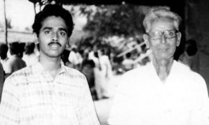 Vijay Siva with his mridangam guru Kumbakonam Rajappa Iyer