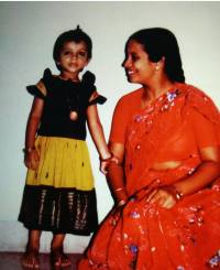 Sriranjani with her mother Smt Meera Santhanagopalan