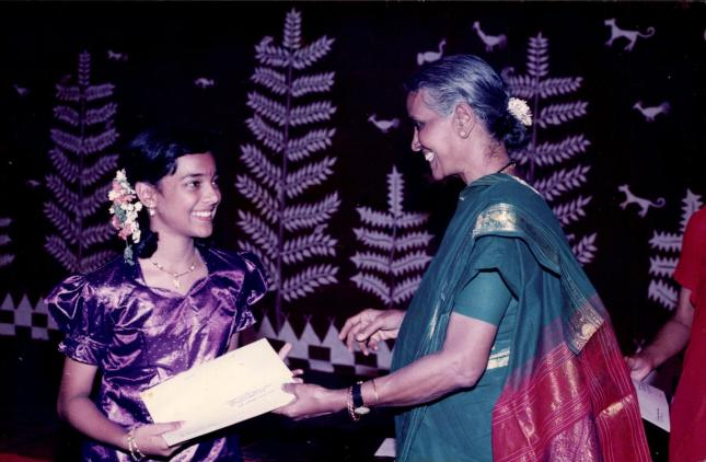 receiving-prize-from-smt-mani-krishnaswami